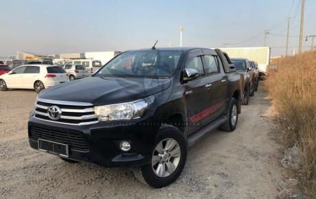 TOYOTA HILUX 2017 DOUBLE CAB | PACKAGE: Z 4WD | PICK UP TRUCK | ENGINE : 2400 CC | VIN : GUN125 | Mileage : 8000 KM | Shift: AT | BLACK FRIDAY OFFER | PRE-END YEAR SALES | CHRISTMAS EVE | READY TO SHIP